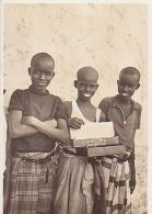 Djibouti        H17        Gaouleds ( Vendeur De Cigarettes ) - Dschibuti
