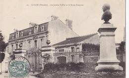 LUCON -    Le Jardin Public Et Le Buste Dumaine. - Lucon