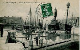 N°55141 -cpa Dunkerque -bassin Du Commerce Bateaux Feu- - Commerce