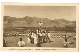 18088  CPA   Missions Du SUD AFRIQUE : LESOTHO  ; Une école De Gymnastique Chez Les Frères De Rorna   ( Basutoland ) - Lesotho