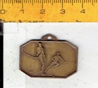 Medaille 655 - Hockey - Challenge Remember R.U.S.T.H.B 1952 - Habillement, Souvenirs & Autres