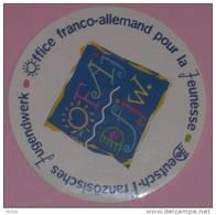 OFFICE FRANCO-ALLEMAND POUR LA JEUNESSE - OFAJ AUTOCOLLANT - Autocollants