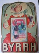 BYRRH : FEMME AU RAISIN - CARTON CALENDRIER EPHEMERIDE ANCIEN (format 39 X 27 Cm) Imp Oberthur - 1933 - Signé G. LEONNEC - Posters
