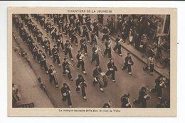 VICHY (03) CHANTIERS De JEUNESSE - La Musique Nationale Défile Dans Les Rues De Vichy - Vichy