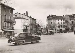 CHAUFFAILLES  - Place De L'Eglise ( Superbe Opel Kapitan En Gros Plan ) - France