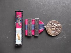 Médaille Et Barette .batiment De Combat - France