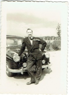 Foto/Photo. Auto Mercedes & Elegant Moustachu. - Automobiles