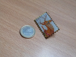 PIN'S.  TIMBRE ANIMAUX .USA. 25x40mm. - Animals