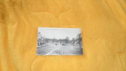 CARTE POSTALE ANCIENNE CIRCULEE DATE ?. / LE PLESSIS GRAMMOIRE.- LA PLACE DE L'EGLISE. / CACHET + TIMBRE. - France