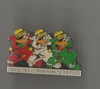 Pin´s Union Des Commerçants De Fives (Lille) - Steden