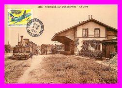Thème Trains  - Reproduction - En Gare De Thorigné Sur Dué   Sarthe      (scan Recto Et Verso) - Trains