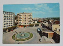 BARLETTA ANDRIA TRANI - Barletta - Piazza Conteduca E Stazione Ferroviaria - Corriera - Fontana - 1964 - Barletta