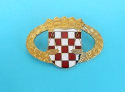 CROATIA PRISON POLICE - Large Official Enamel Cap Hat Badge * Police Polizei Polizia * Kroatien Croazia Croacia - Police