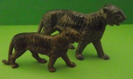Figurines (Lessive OMO) Panthère Et Bébé Panthère - Figurines