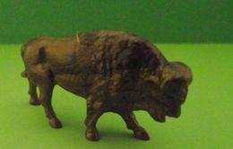 Figurine (Lessive OMO) Bison - Figurines