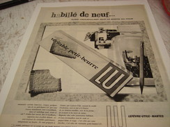ANCIENNE PUBLICITE HABILLE DE NEUF BISCUIT LEFEVRE UTILE LU 1957 - Affiches