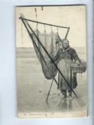 CPA - Pêcheuse De Crevettes  -  (pêcheurs , Pêche  ) - Pêche