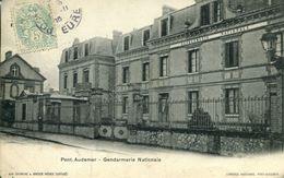 N°55299 -cpa Pont Audemer -gendarmerie Nationale- - Police - Gendarmerie