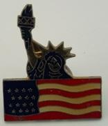 Pins Drapeau Amérique Statue De La Liberté - Autres