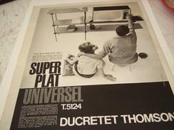 ANCIENNE PUBLICITE TELEVISION DUCRETET THOMSON SUPER PLAT 1960 - Television