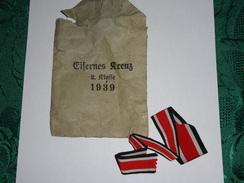 Lot D'une Pochette Et Ruban Croix De Fer Ww 2 - 1939-45