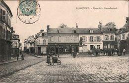 ! [60] Cpa Liancourt, Place De La Rochefoucault, Oise - Liancourt