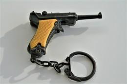 Vintage TOY GUN : LUGER P08 - L=4,5cm - Keychain 1960s - Keywords : Cap - Cork Gun - Rifle - Revolver - Pistol - Tin - Armes Neutralisées