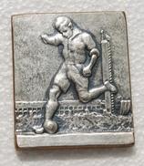 Vintage Old  Sweden Sporrong Football Games Medal - Professionnels / De Société
