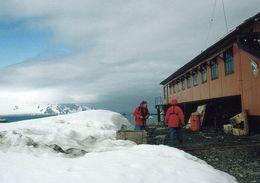 1 AK Antarctica Antarktis * Die Argentinische Station Camara Auf Der Insel Half Moon - Zu Den South Shetland Islands * - Ansichtskarten
