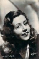Autographe - Suzy Delair, Photo Studio Harcourt - Autographes