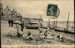 14 - ARROMANCHES - Bateaux De Peche - Plage - Arromanches