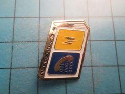 PIN1515B Pin's Pins / Rare LIVRE BIBLIOTHEQUE LA POSTE FRANCE TELECOM Les Facteurs Sont Des Hommes De Lettres - Mail Services