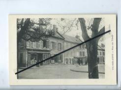 CPA - Vic Sur Aisne - Place Des Tilleuls - Vic Sur Aisne