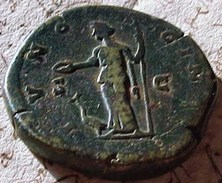 MONNAIE ROMAINE , SESTERCE - ROME 162 - LUCILLA AVGVSTA , IVNO REGINA Bronze 30 Mm, Roman Coin    Prix Fixe - 3. The Anthonines (96 AD To 192 AD)