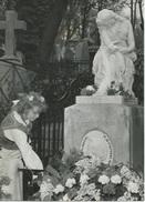 FREDERIC CHOPIN - LA TOMBE DU GRAND COMPOSITEUR AU CIMETIERE DU PERE-LACHAISE - PHOTO PRESSE DU 22.02.60 - Berühmtheiten