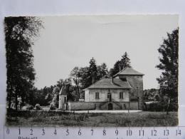 CPSM (01) Ain - HEYRIAT - Le Château - France