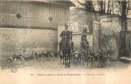 CHASSE A COURRE  EN FORET DE FONTAINEBLEAU LA RENTREE AU CHENIL - Hunting