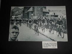 Origineel Knipsel ( 447 ) Uit Tijdschrift  :  Schaffen  Koers  Wielrenner  Cycliste  1934 - Unclassified