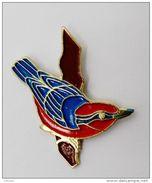 Pin's Oiseau Sur Une Branche  - ANIMAUX - Dieren