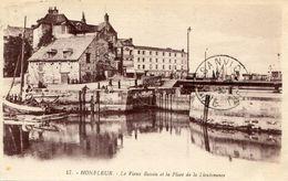 """CPA """"HONFLEUR """" 17"""" Le Vieux Bassin - Honfleur"""