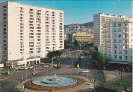 ALGERIE--ALGER LA BLANCHE--place Du 1er Mai--voir  2 Scans - Alger