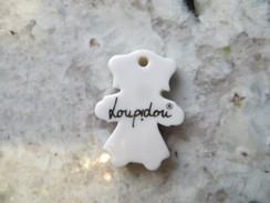 Petit Pendentif Publicitaire MARQUE LOUPIDOU ( Joaillier à Saint Etienne ) En Porcelaine Blanche Dos Blanc Mat - Pendants