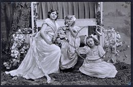 ENFANT - 3 Filles En Robes Longues - Circulé - Circulated - Gelaufen - 1909. - Enfants