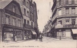 CPA - 61 - LA FERTE MACE - La Rue D'hautevie - 25 - La Ferte Mace
