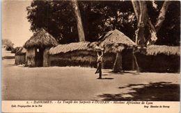 AFRIQUE --  DAHOMEY -- Le Temple Des Serpents à Ouidah - Dahomey