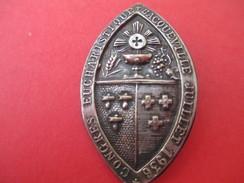 Insigne Ancien /Congrés Eucharistique/BACQUEVILLE/ Calice /Laiton Embouti Argentét/1936                          CAN550 - Religion & Esotérisme