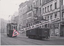 """Croisement De Motrices """"De Dietrich"""" Des Tramways, Avenue De Colmar à Mulhouse (68) - - Tramways"""
