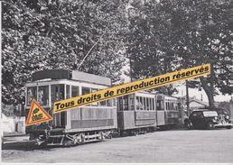 """Motrice """"1900"""" Des Tramways Avec Deux Remorques, à Perpignan (66) - - Tramways"""