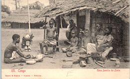 AFRIQUE -- ANGOLA -- Uma Familia De Zaire - Angola