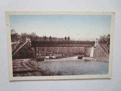 Villegusien Le Pont Du Chemin De Fer Sur Le Canal. CIM - Autres Communes